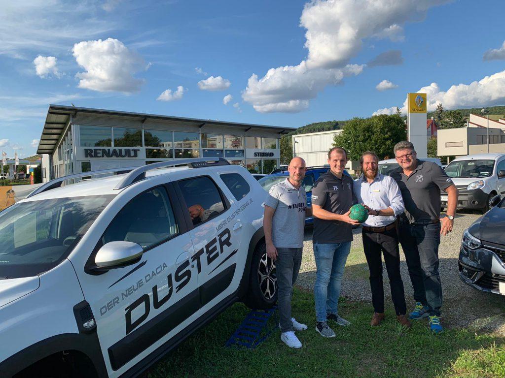 Autohaus Strnad verlängert und weitet die Partnerschaft mit der HSG aus!
